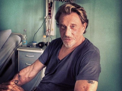 johnny-hallyday-laeticia-poste-une-photo-depuis-l-hopital_referenceg.jpg