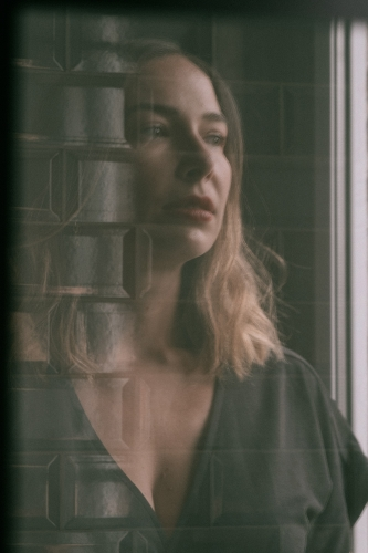 Odessa, pop, musique, lyric video, youtube, almée, preliminaires, podcast